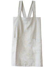 Load image into Gallery viewer, criss cross apron classic fit in smoked