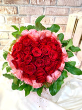 Load image into Gallery viewer, 50 stems heart shape roses