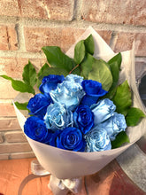 Load image into Gallery viewer, Mixed Blue/Sky Blue Roses