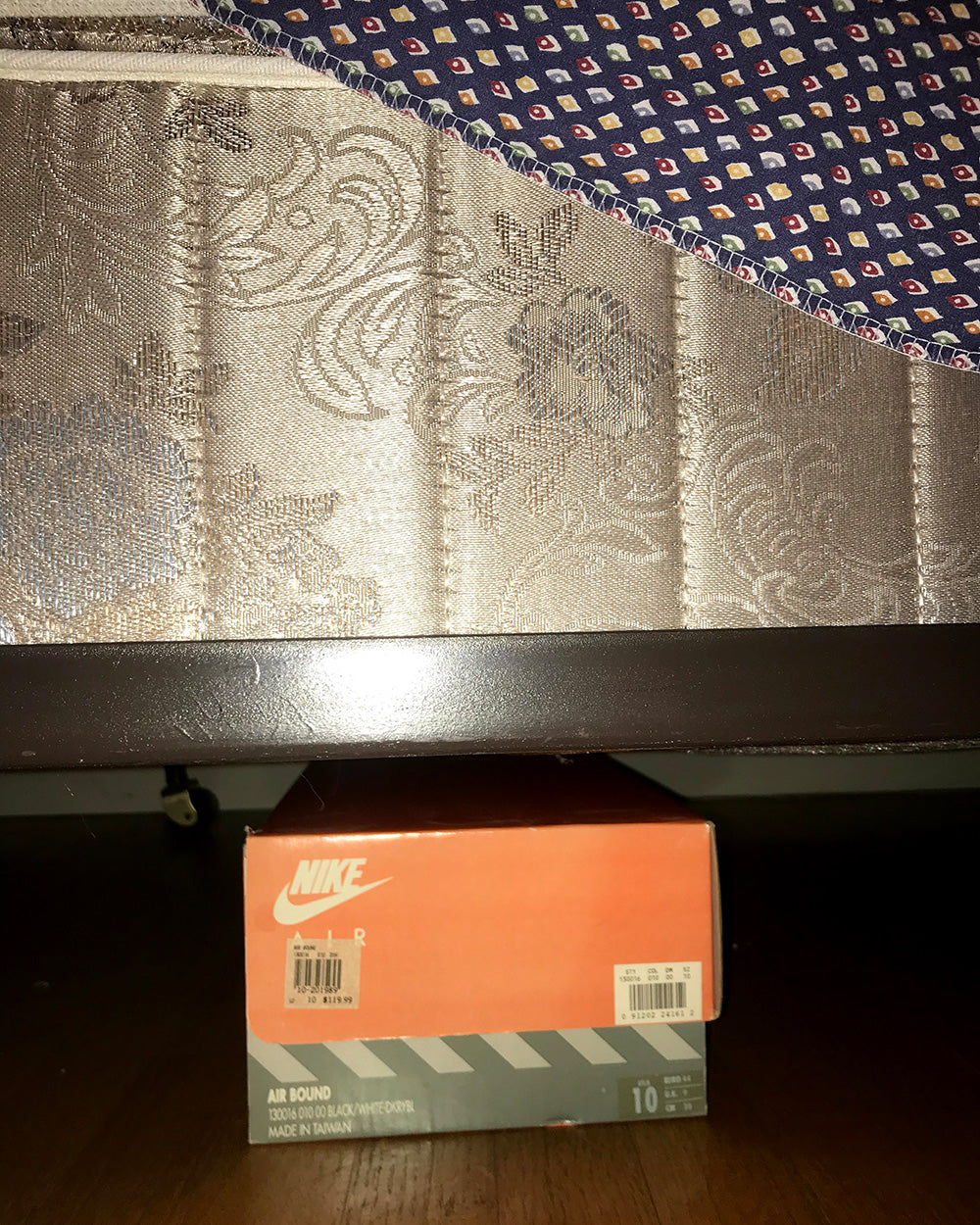 SPITGAN WEBZINE #3 Photo 8. Nike shoebox under the bed. Vancouver, BC