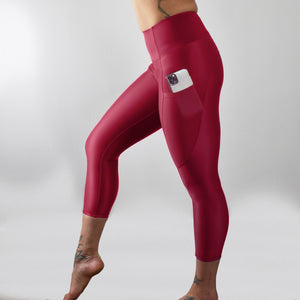INVIGORATE High Waisted Cropped Running Leggings XL / Thriller - Red