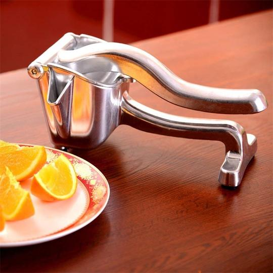 Manual Instant Fruit Juicer™