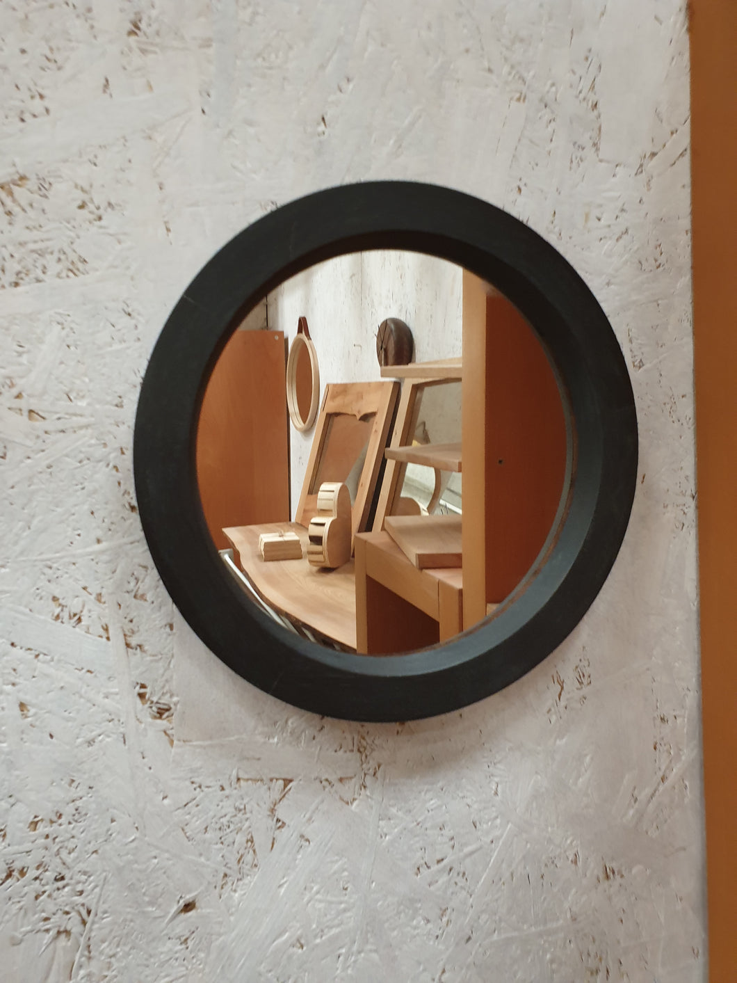 Small Round Mirror - black