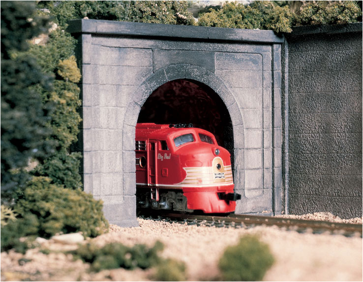 Woodland Scenics C1152 Concrete Portal Single, N Scale