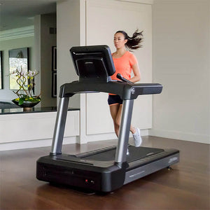 LIFE FITNESS Club Series + Treadmill X Console