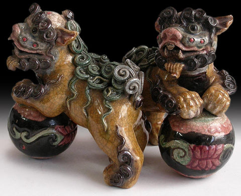 Vintage Chinese Enamel Glazed Wucai Porcelain Ceramic Pottery Feng Shui Foo Dog Lion Pair 風水五彩福狗