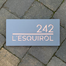 Load image into Gallery viewer, Modern Rectangle (Landscape) House Name / Number Sign 300 mm x 150 mm - KREATIV DESIGN