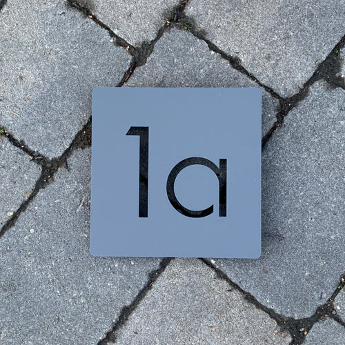 Modern Square House Number Sign 15 cm x 15 cm - KREATIV DESIGN