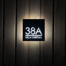 Afbeelding in Gallery-weergave laden, Illuminated Modern House Number Sign with Low voltage LED 20 x 20cm Address Plaque - KREATIV DESIGN