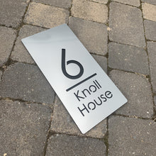 Afbeelding in Gallery-weergave laden, Brushed Metal Effect Modern Rectangle House Number and Address Sign 30 cm x 15 cm - KREATIV DESIGN