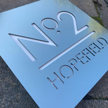Afbeelding in Gallery-weergave laden, Brushed Metal Effect Modern Square House Number and Address Sign 20 cm x 20 cm - KREATIV DESIGN