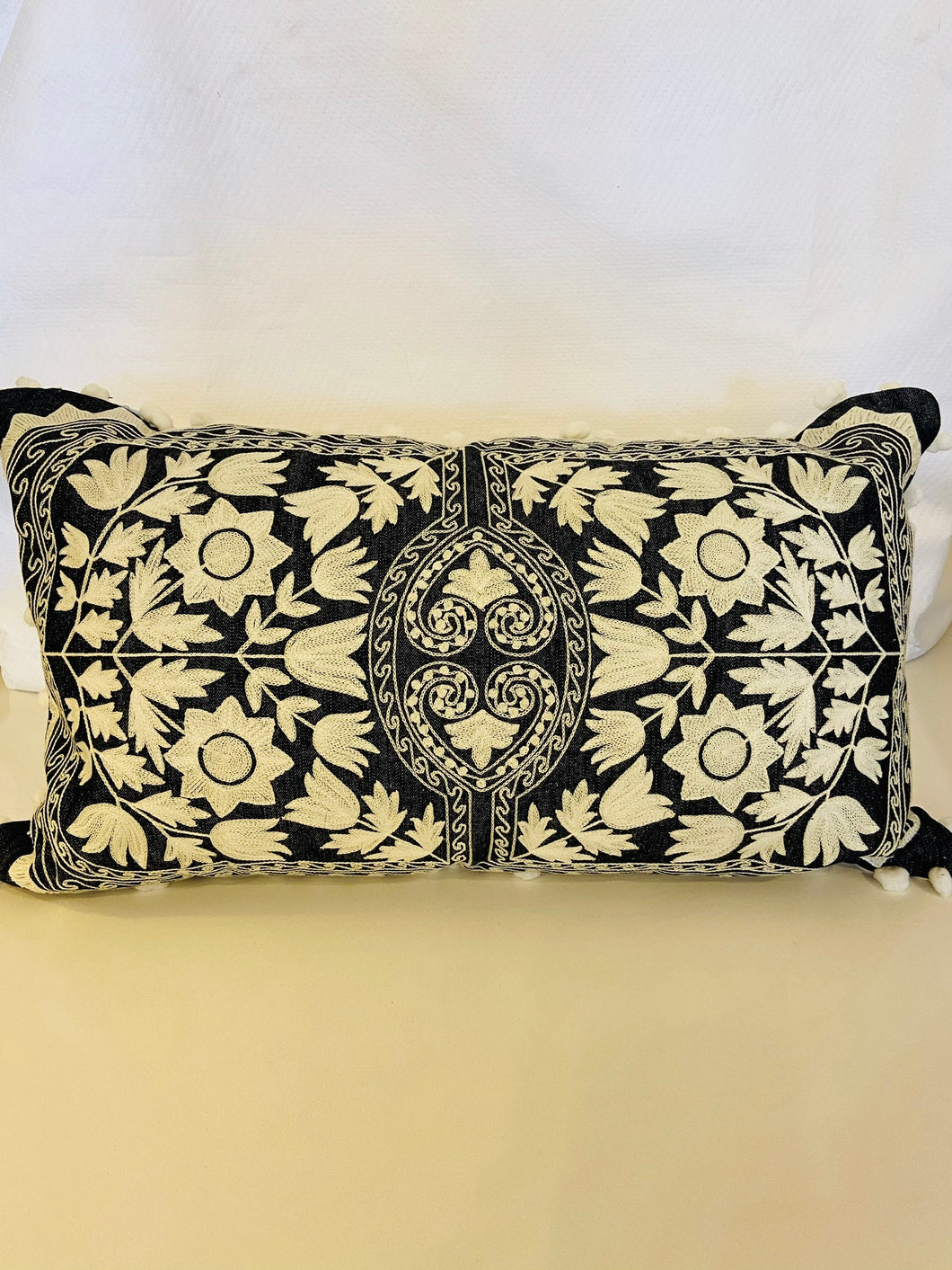Morelia Pillow