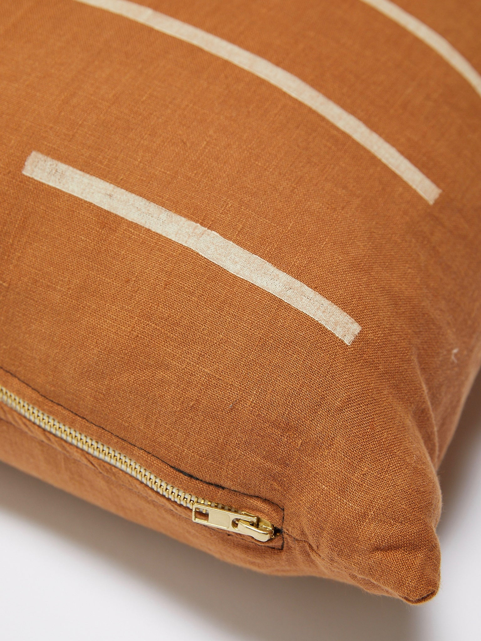 K'UN RUST PILLOW