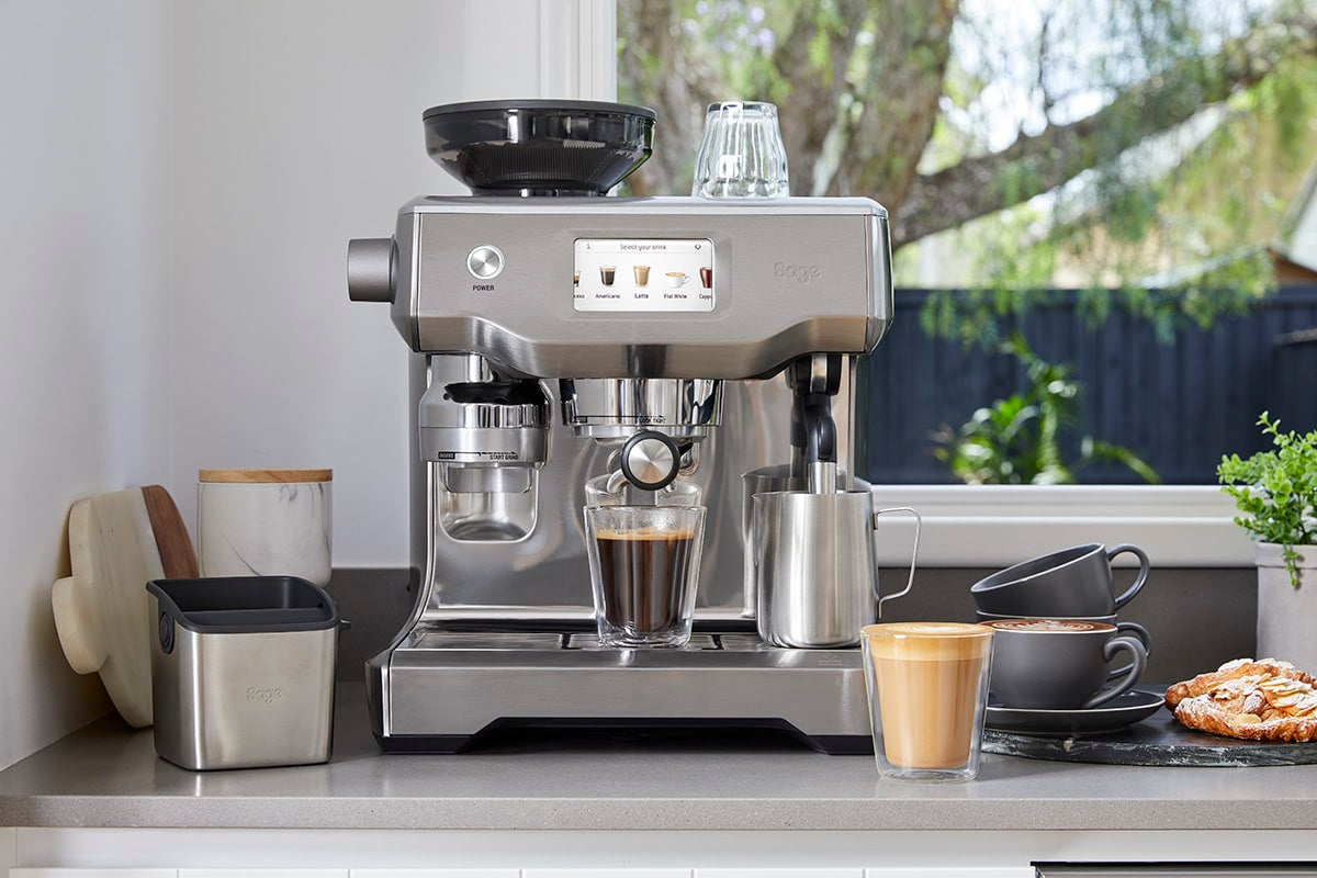 Sage Oracle Touch home espresso machine