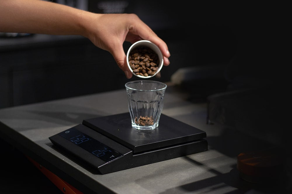 Felicita Parallel Coffee Scale - coffee beans