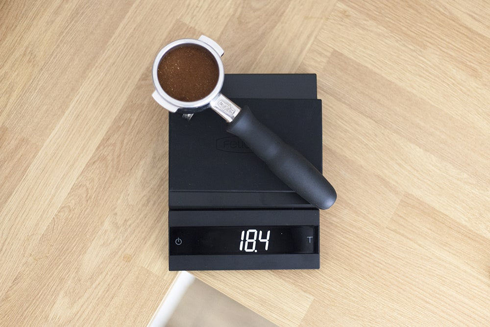 Felicita Parallel Coffee Scale with espresso portafilter