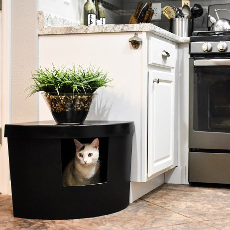 Kitangle Seamless Covered Litter Box Corner Style Front