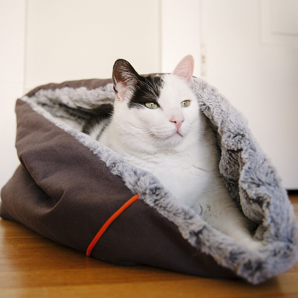 """P.L.A.Y Small Snuggle Bed 13/"""" Diam X 18/""""-Charcoal Gray"""