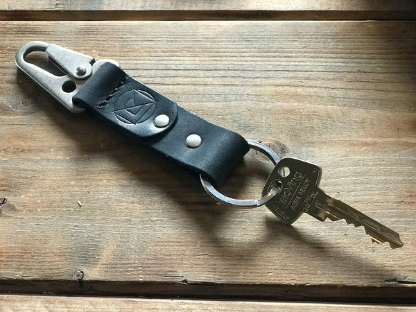 Key Ring in Tan Leather with Brass Clip and Dark Brown Stitching