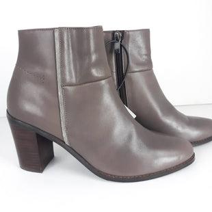 Primary Photo - BRAND:  CMBSTYLE: BOOTS ANKLECOLOR: GREYSIZE: 6.5OTHER INFO: BARCLAY -SKU: 213-213106-21130