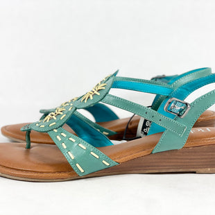 Primary Photo - BRAND:    CLOTHES MENTOR STYLE: SANDALS FLAT COLOR: TEAL SIZE: 9.5 OTHER INFO: RELOA - SKU: 213-213156-1029