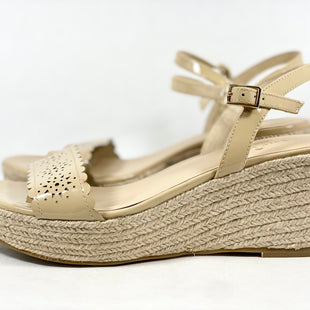 Primary Photo - BRAND: KATE SPADE STYLE: SHOES DESIGNER COLOR: TAN SIZE: 8 SKU: 213-213135-7569