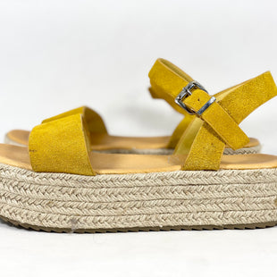 Primary Photo - BRAND:   CMC STYLE: SANDALS FLAT COLOR: MUSTARD SIZE: 8 OTHER INFO: NEW! COOLBYCOOLWAY SKU: 213-213135-6881
