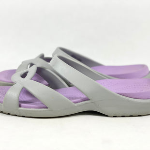Primary Photo - BRAND: CROCS STYLE: SANDALS FLAT COLOR: GREY SIZE: 9 SKU: 213-213143-7959
