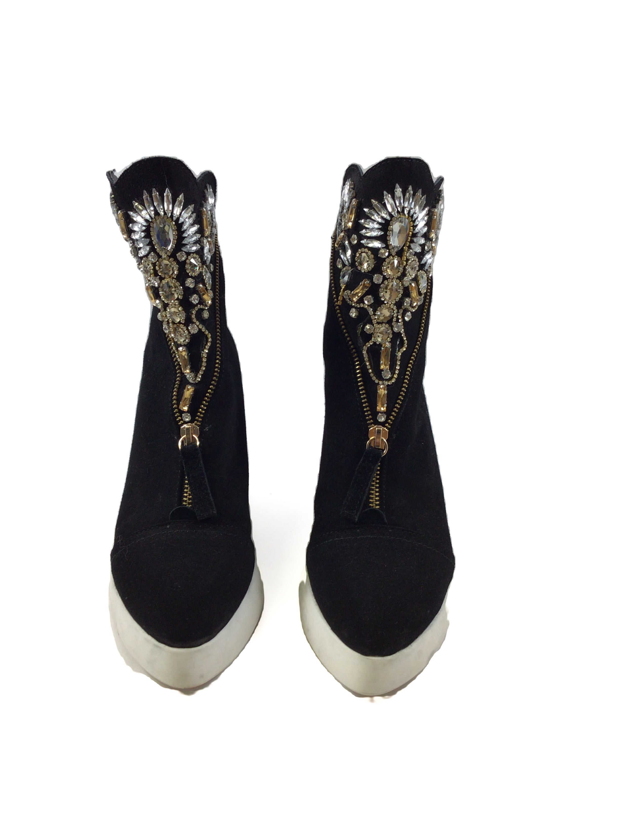 Photo #1 - <P>BRAND: CLOTHES MENTOR <BR>STYLE: SHOES HIGH HEEL <BR>COLOR: BLACK <BR>SIZE: 7.5 <BR>OTHER INFO: SHOES - <BR>SKU: 213-213143-7519</P> <P>JEWLED BEDAZZLED</P>