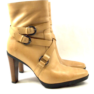 Primary Photo - BRAND: TODS STYLE: BOOTS DESIGNER COLOR: TAN SIZE: 9 SKU: 213-213118-34403
