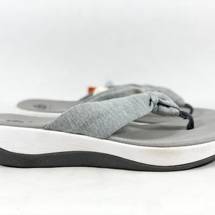 Primary Photo - BRAND: CLARKS STYLE: SANDALS LOW COLOR: GREY SIZE: 8 SKU: 213-213118-35861