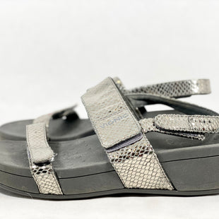 Primary Photo - BRAND: VIONIC STYLE: SANDALS LOW COLOR: GREY SIZE: 9 SKU: 213-21394-46883