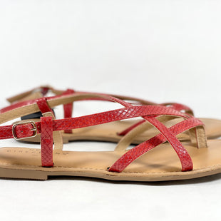 Primary Photo - BRAND: NEW DIRECTIONS STYLE: SANDALS FLAT COLOR: RED SIZE: 9.5 SKU: 213-213143-3942