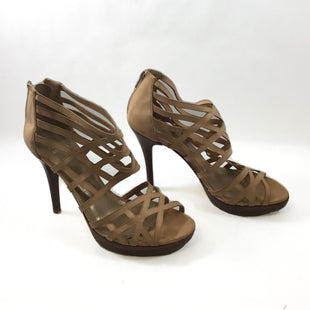 Primary Photo - BRAND: STUART WEITZMAN STYLE: SHOES DESIGNER COLOR: TAN SIZE: 9.5 SKU: 213-213118-34407
