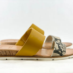 Primary Photo - BRAND: DOLCE VITA STYLE: SANDALS FLAT COLOR: YELLOW SIZE: 7.5 SKU: 213-213106-27750