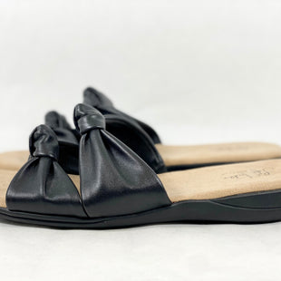 Primary Photo - BRAND: LIFE STRIDE STYLE: SANDALS FLAT COLOR: BLACK SIZE: 11 SKU: 213-213106-24579