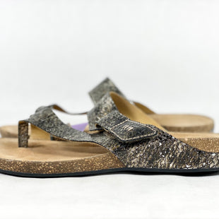 Primary Photo - BRAND: CLARKS STYLE: SANDALS FLAT COLOR: SNAKESKIN PRINT SIZE: 7.5 SKU: 213-213106-23907