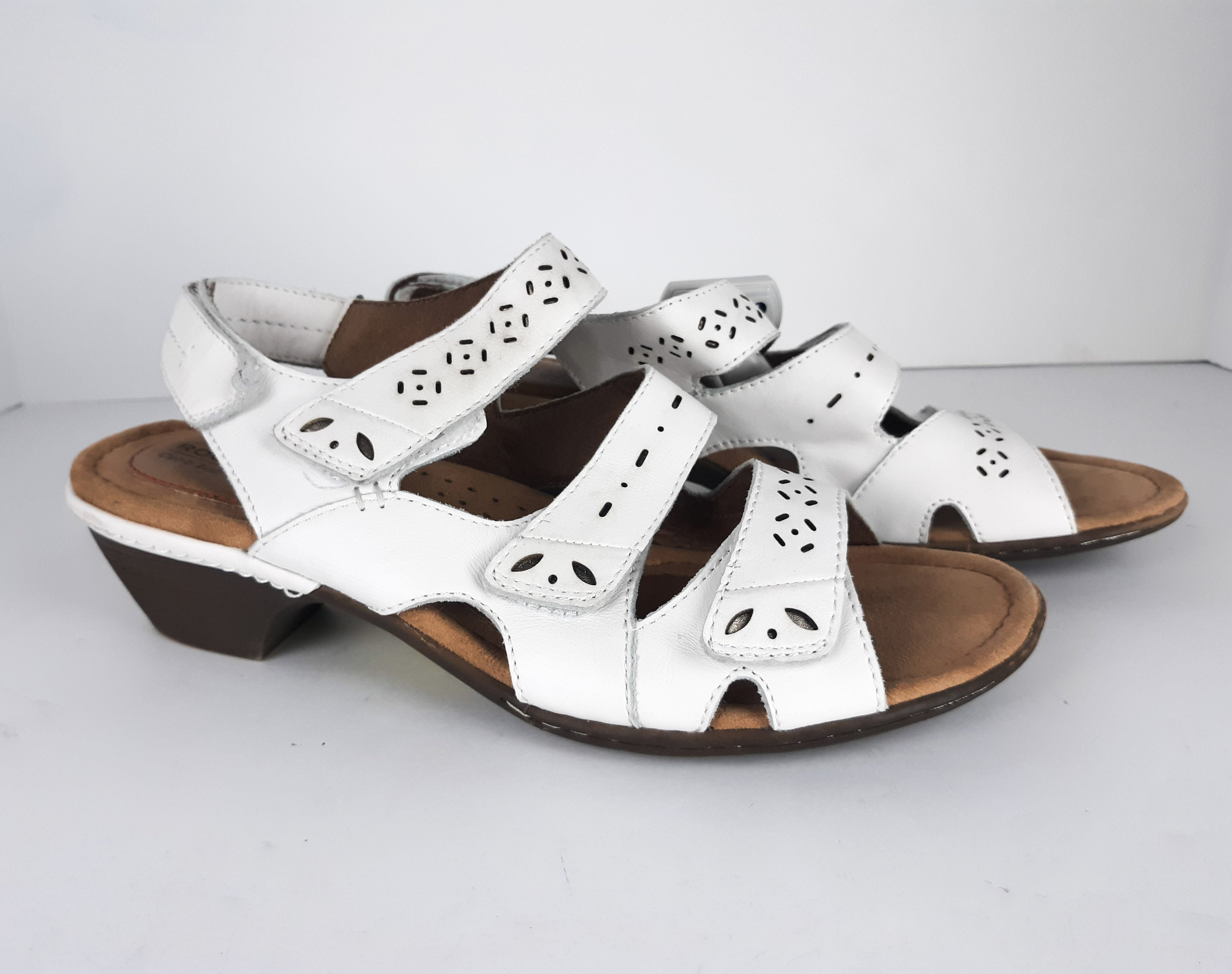 Primary Photo - BRAND: ROCKPORT<BR>STYLE: SANDALS LOW<BR>COLOR: WHITE<BR>SIZE: 9.5<BR>SKU: 213-21394-34237