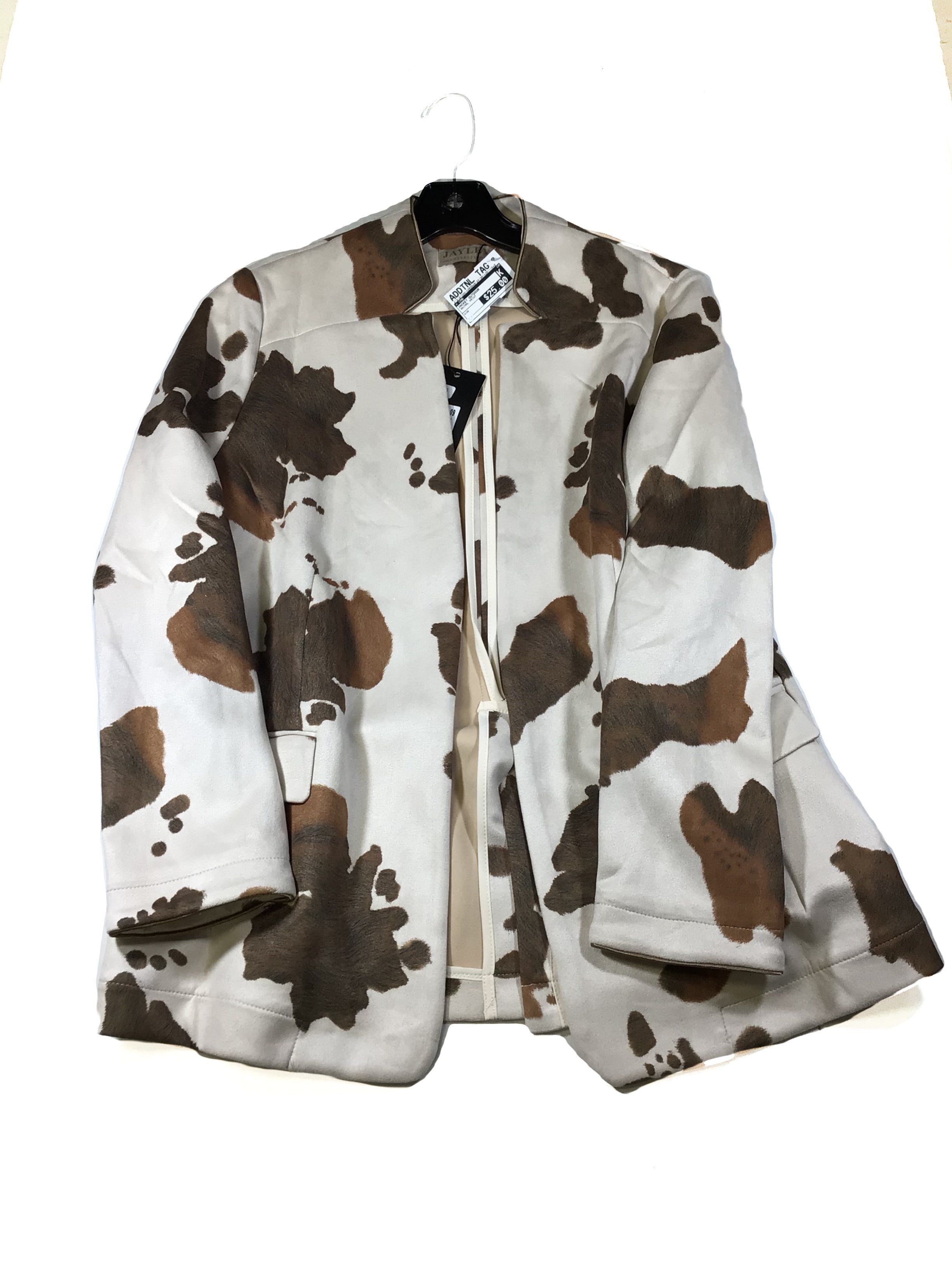 Primary Photo - BRAND:  CMB <BR>STYLE: JACKET OUTDOOR <BR>COLOR: ANIMAL PRINT <BR>SKU: 213-21394-42837