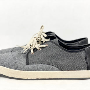 Primary Photo - BRAND: TOMS STYLE: SHOES FLATS COLOR: GREY SIZE: 11 SKU: 213-213154-334