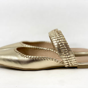 Primary Photo - BRAND: JACK ROGERS STYLE: SHOES FLATS COLOR: GOLD SIZE: 9 SKU: 213-213143-7345
