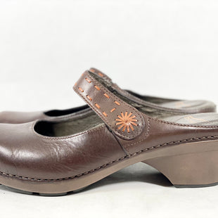 Primary Photo - BRAND: DANSKO STYLE: SHOES LOW HEEL COLOR: BROWN SIZE: 11 SKU: 213-213118-33141