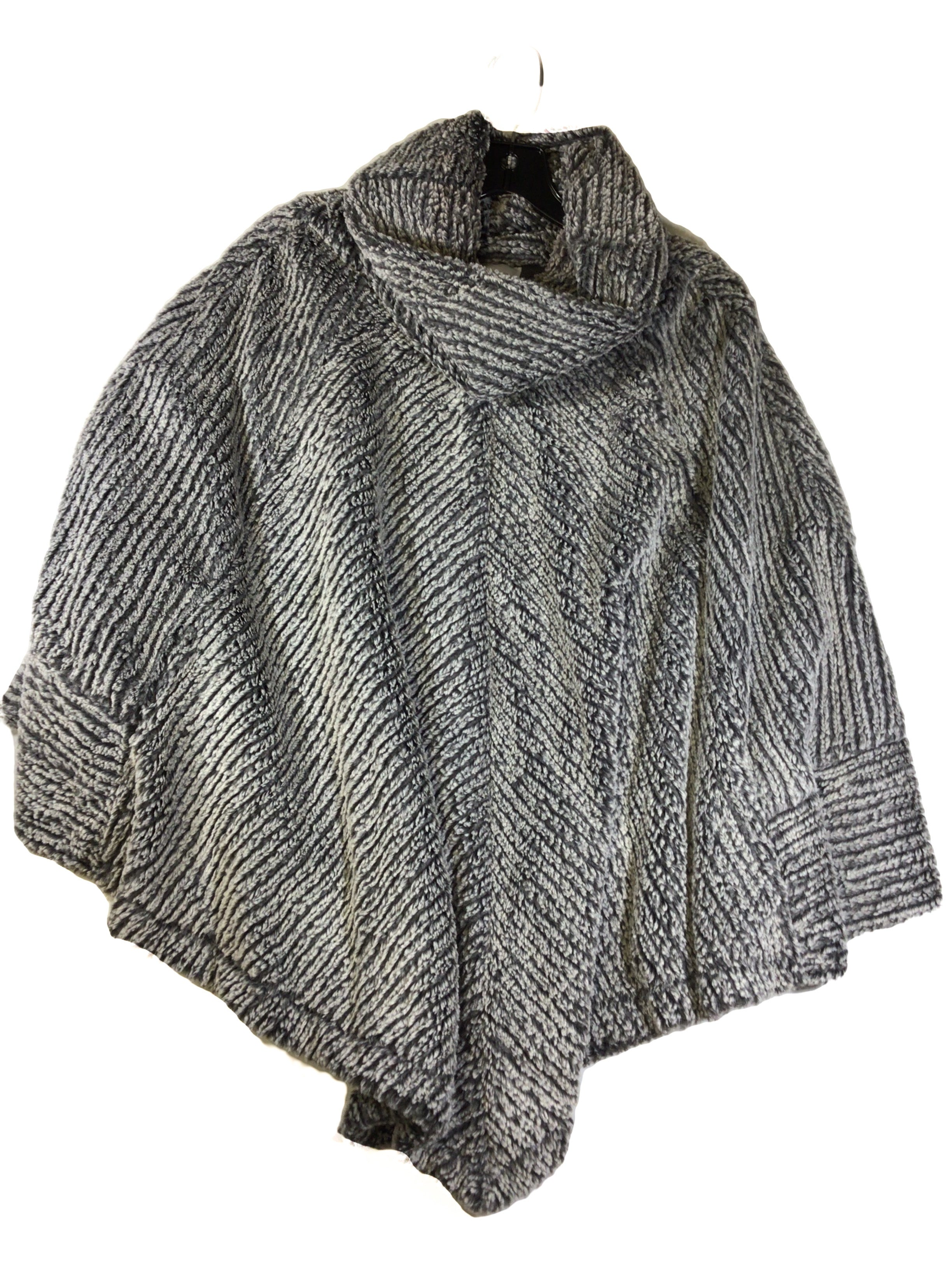 Primary Photo - BRAND:  CMB <BR>STYLE: PONCHO <BR>COLOR: GREY <BR>SIZE: XL <BR>OTHER INFO: TESS ELLIOT STUDIO - <BR>SKU: 213-21394-43684