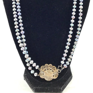 Primary Photo - BRAND:    CLOTHES MENTOR STYLE: NECKLACE COLOR: PEARL OTHER INFO: FRESHWATER PEARLS SKU: 213-21394-42194