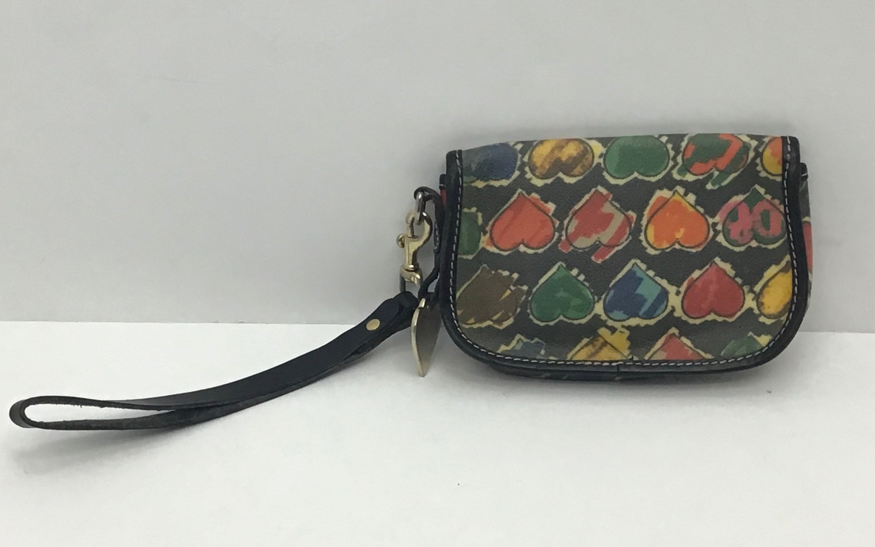 Photo #1 - BRAND: DOONEY AND BOURKE O <BR>STYLE: WRISTLET <BR>COLOR: HEART <BR>SKU: 213-213135-5087