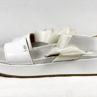 Primary Photo - BRAND: UGG STYLE: SANDALS LOW COLOR: WHITE SIZE: 8 SKU: 213-213160-65