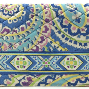 Primary Photo - BRAND: VERA BRADLEY STYLE: ACCESSORY TAG COLOR: MULTI OTHER INFO: PASSPORT/BOOK COVER SKU: 213-213135-5533