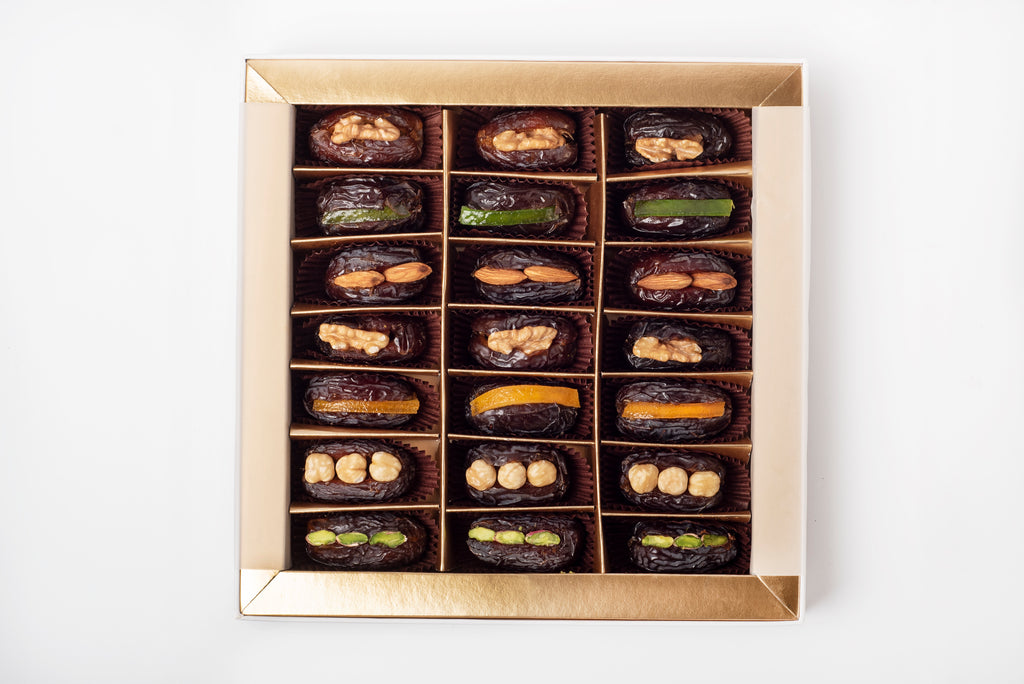 Box of 21 stuffed medjoul date