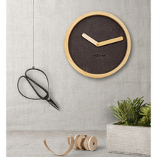 Laden Sie das Bild in den Galerie-Viewer, NT Claim Wall Clock 30cm
