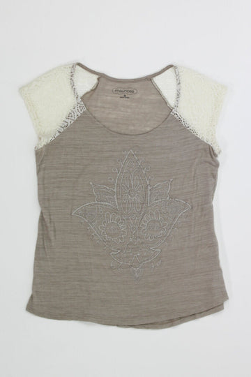 Ladies Top Medium (lace cap sleeves w/ metallic puff design)